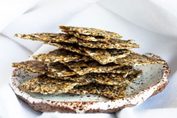 DEHYDRATED FLAX CRACKERS